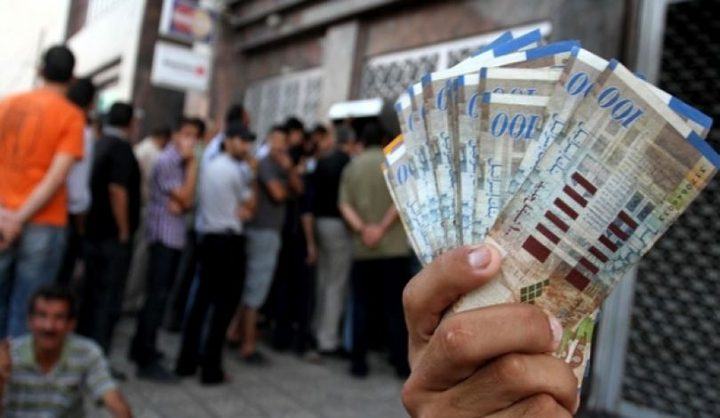 المالية: لا صحة لأنباء قطع رواتب نواب حماس