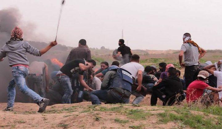 غزة: إصابتان بالرصاص وحالات اختناق في مواجهات مع الاحتلال
