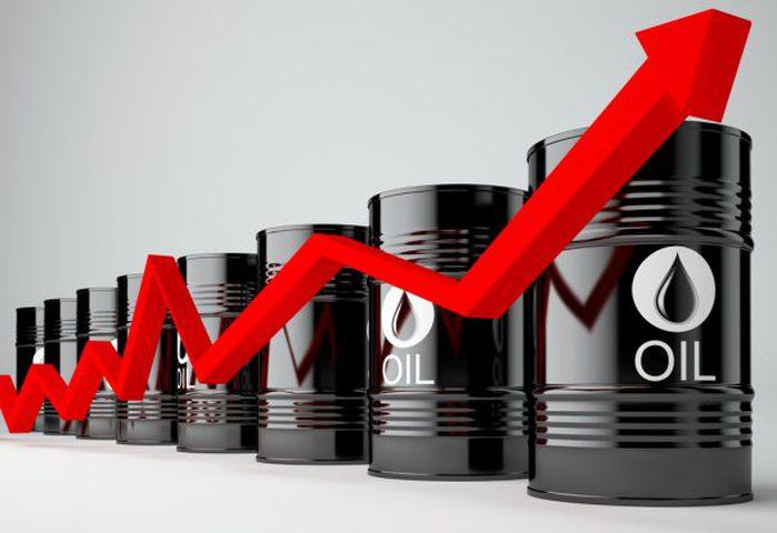 النفط يرتفع بعد قرار قطع العلاقات مع قطر