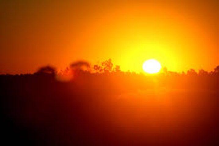 حالة الطقس: استمرار الأجواء الحارة وتحذير من التعرض المباشر للشمس