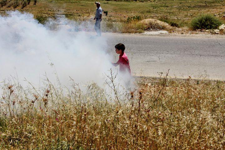 إصابة أطفال بالاختناق خلال اقتحام قرية النبي صالح
