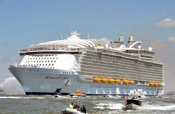 الكشف عن تصميم أكبر سفينة سياحية بالعالم