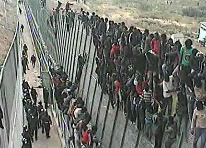 32 ألف مهاجر وصلوا إلى إسبانيا عبر المغرب