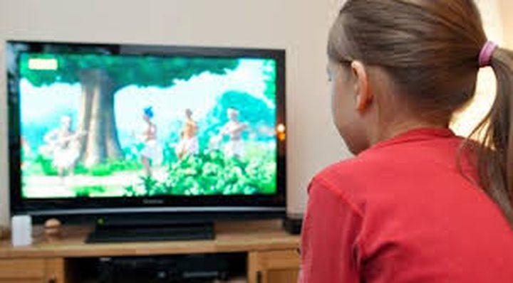 """غرف الأطفال المزودة بالتلفزيونات """"تزيد من خطر تعرضهم للبدانة"""""""