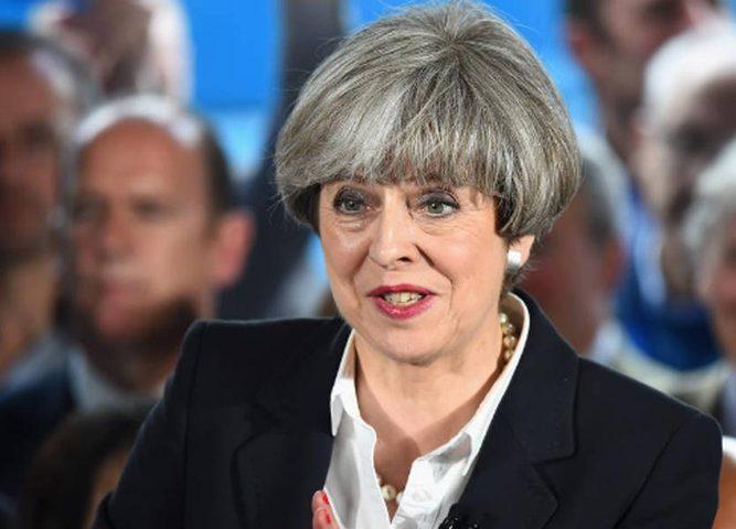 """رئيسة الوزراء البريطانية: """"سأمزق"""" قوانين حقوق الإنسان"""