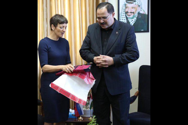 فلسطين وسلوفينيا تتفقان على بدء العلاقات التعليمية