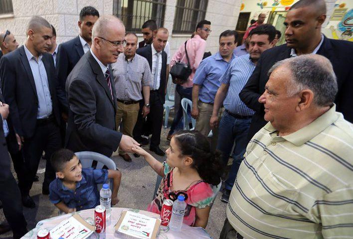 رئيس الوزراء يشارك في الإفطار الخيري للأيتام في عنبتا (فيديو)