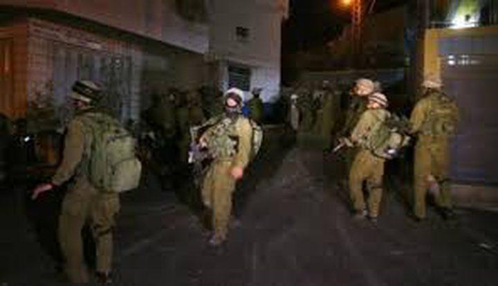 الاحتلال يعتقل قياديا بحماس من الخليل(فيديو)