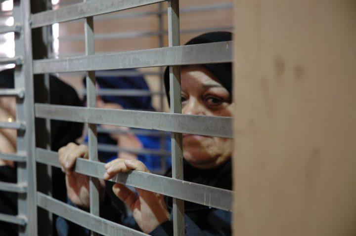 الأسيرات يوقفن خطواتهن الاحتجاجية عقب التفاوض مع إدارة السجون