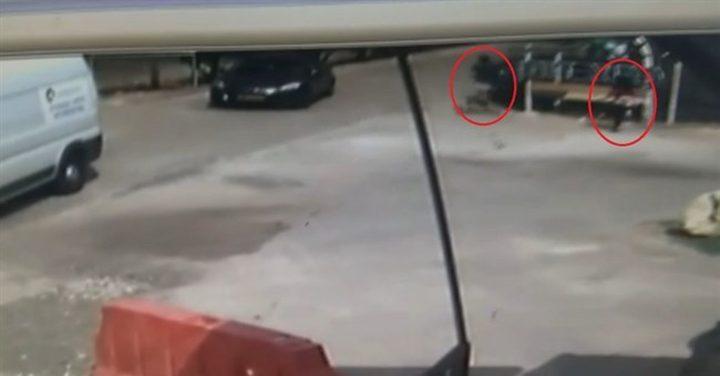 """فرّار جندي اسرائيلي أمام طفلة ... هل يعرضه للطرد؟ """" فيديو"""""""