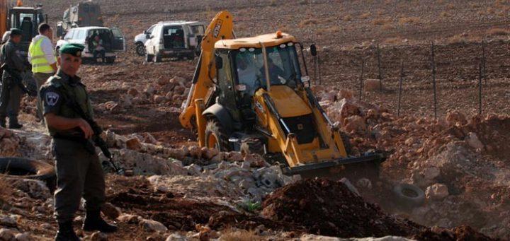 الاحتلال يمسح أراضي من بلدة الخضر