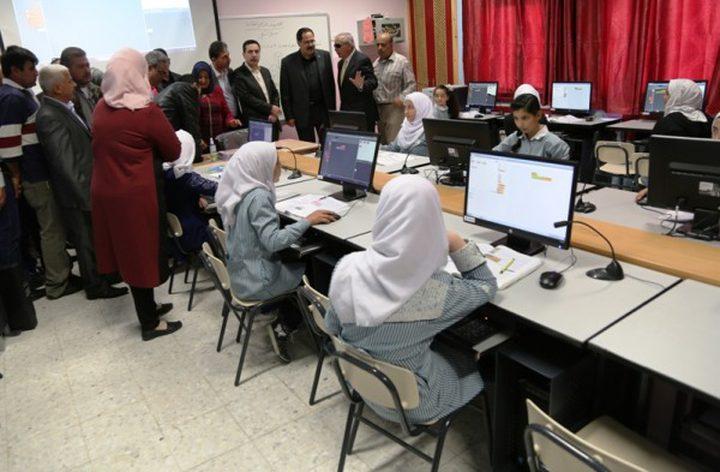 اتفاقية لتوريد أجهزة لوحية لرقمنة التعليم في طولكرم