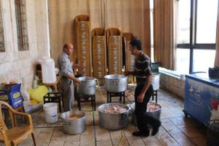 جنين: تكية رمضانية تقدم وجبات لـ 500 صائم يومياً