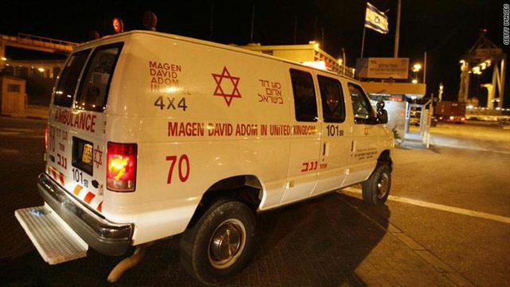 العثور على جثة امرأة ورجل مصاب في تل أبيب