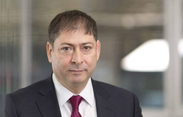 أول أكاديمي فلسطيني يتولى منصباً رفيع المستوى في جامعة بريطانية