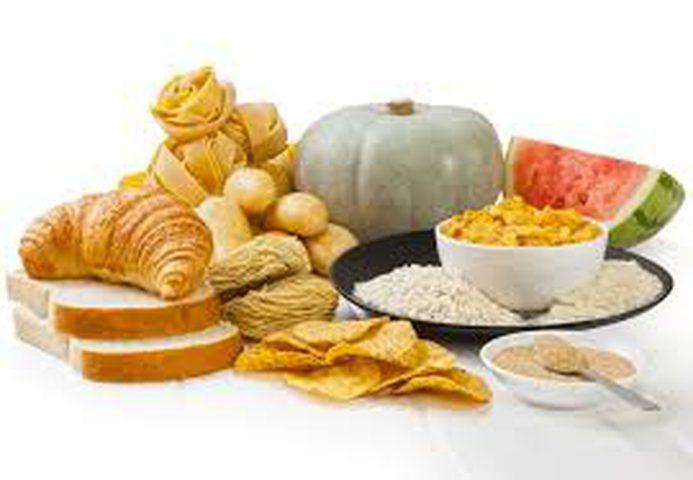الإفطار الغني بالكربوهيدرات يزيد من ثقة الشخص بنفسه