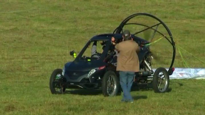 """طيار يعبر القنال الإنجليزي """"بسيارة""""(فيديو)"""