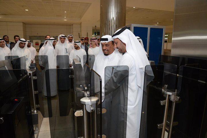 مطار دبي الأوَّل في العالم بتقنية استخدام الهاتف بدلاً من جواز السفر