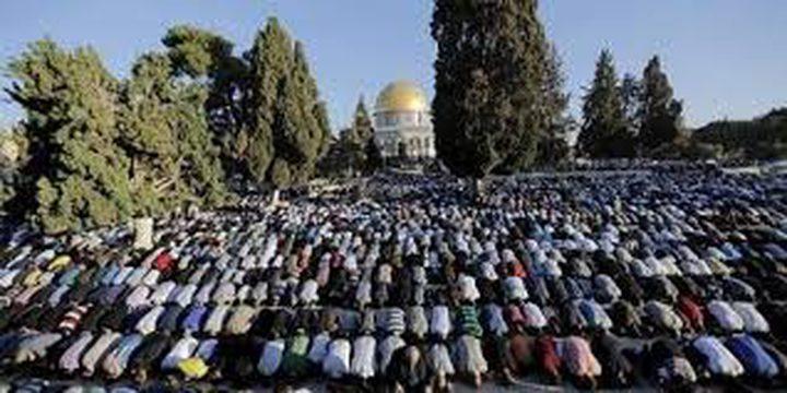 300 ألف يؤدون صلاة الجمعة الثالثة من رمضان في الأقصى