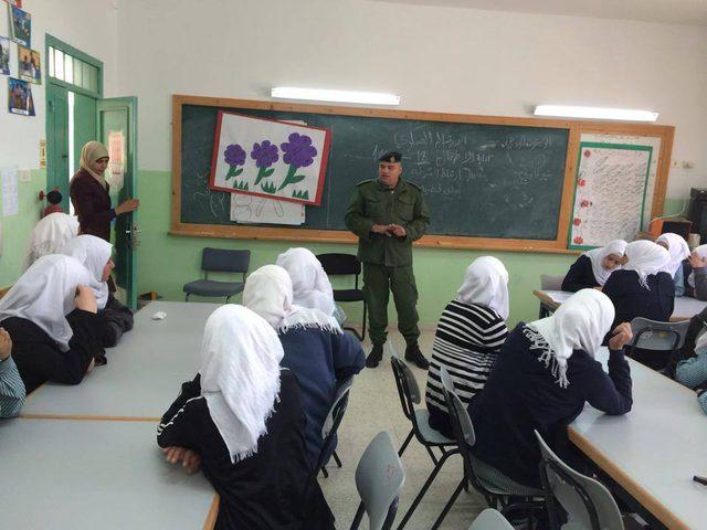 الارتباط العسكري يؤمن وصول مراقبين وطلبة إلى امتحان الثانوية العامة في دير أبو مشعل