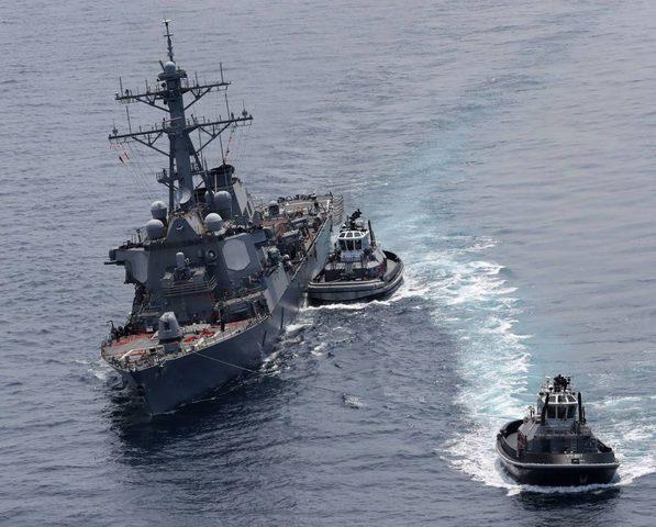 فقد سبعة بحارة أميركيين باصطدام مدمرة بسفينة يابانية