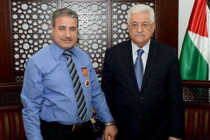 منح معلم فلسطيني صفة النائب البرلماني الدولي