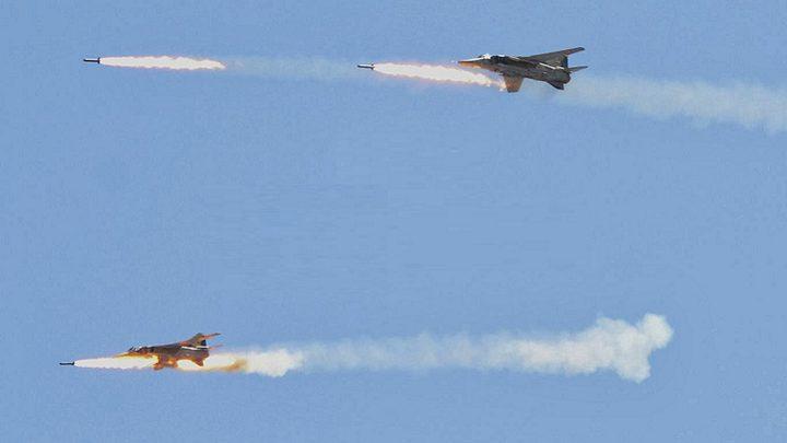 التحالف الدولي يسقط مقاتلة للجيش السوري والطيار مفقود