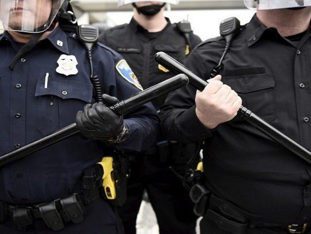 الشرطة الأمريكية تعتقل مشتبه بهم بقتل شاب روسي وصديقه