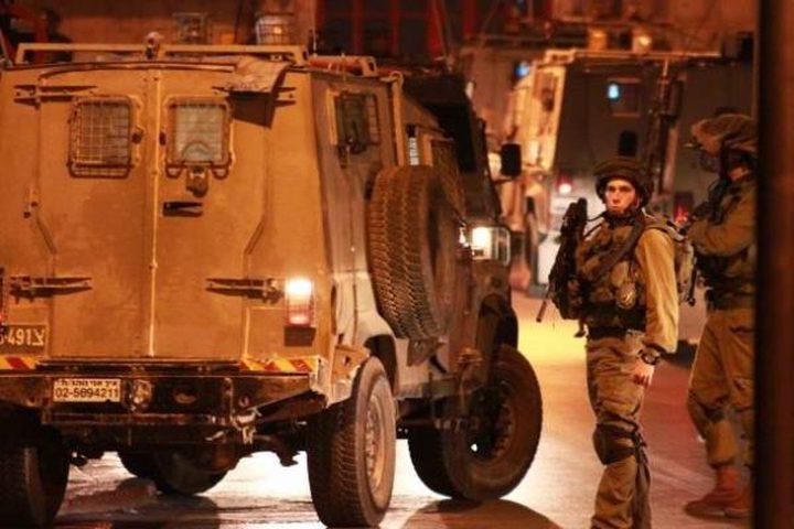 اصابات واعتقال زوجة أسير في دير أبو مشعل