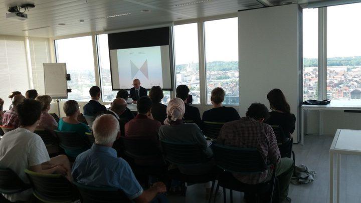 النجاح تشارك في إطلاق كتاب في بروكسل