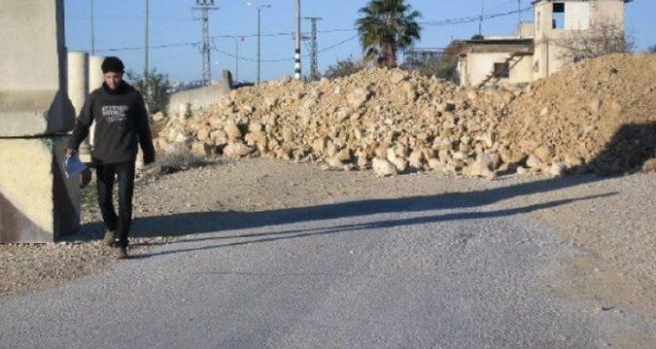 إغلاق أحد مداخل زعترة شرق بيت لحم