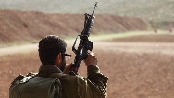 شرطة الاحتلال تفتح تحقيقاً في سرقة سلاح جندي