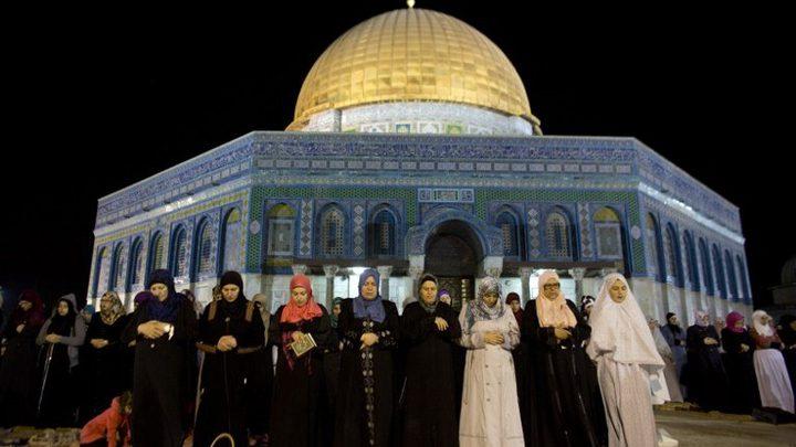 الاحتلال يقيد دخول المواطنين لأداء الصلاة بليلة القدر في الأقصى
