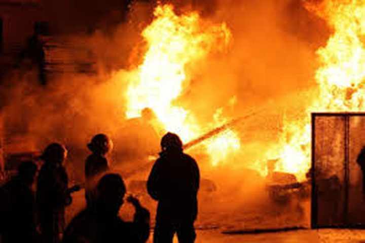 بيت لحم: مجهولون يحرقون منزلا على خلفية الثأر