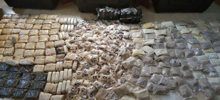 ضبط مخدرات وسلاح في منزل قيد الإنشاء