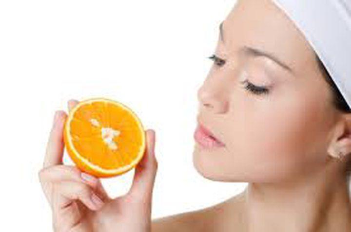 استعيدي نضارة وجهك مع قشر الليمون والبرتقال
