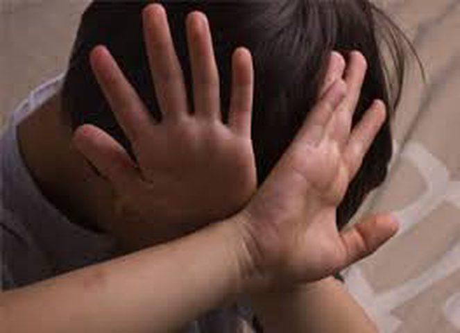 وفاة طفل تعرض للضرب على يد شقيقه