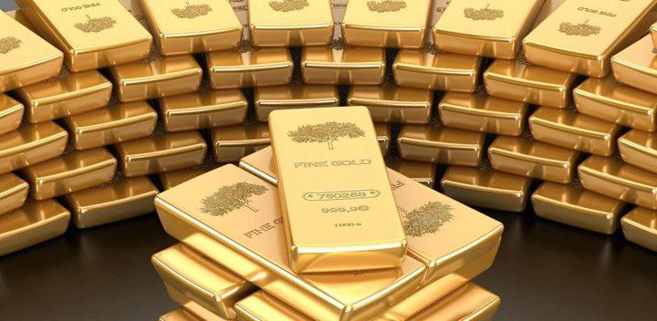 الذهب يهبط الى أدنى مستوياته