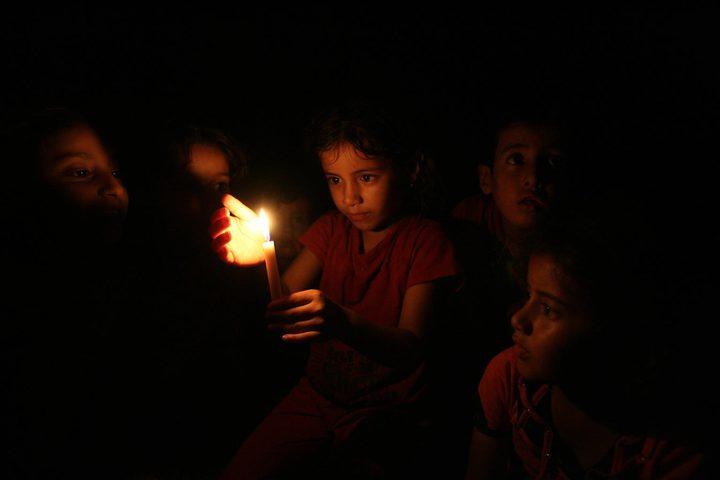 الاحتلال يقلص أربعة خطوط كهرباء عن غزة