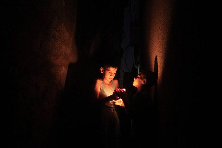 إسرائيل تواصل تقليص الكهرباء الواردة إلى القطاع