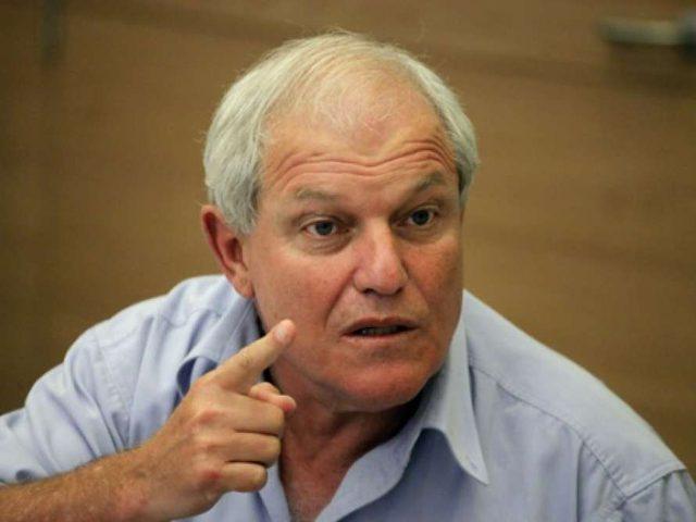 التحقيق مع وزير اسرائيلي بشبهة فساد