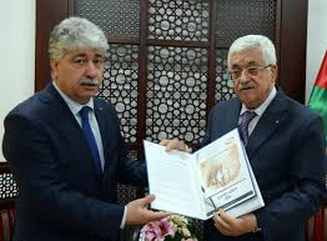 الرئيس يتسلم التقرير السنوي لهيئة التقاعد الفلسطينية