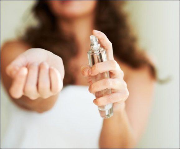 لماذا لا أشم رائحة عطري بعد فترة من رشه؟