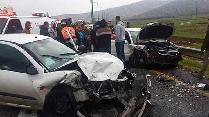 """اصابات في حادث سير """"فيديو"""" (محدث)"""