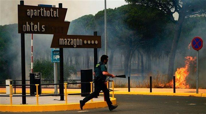 حريق يتسبب باخلاء 1800 شخص في إسبانيا
