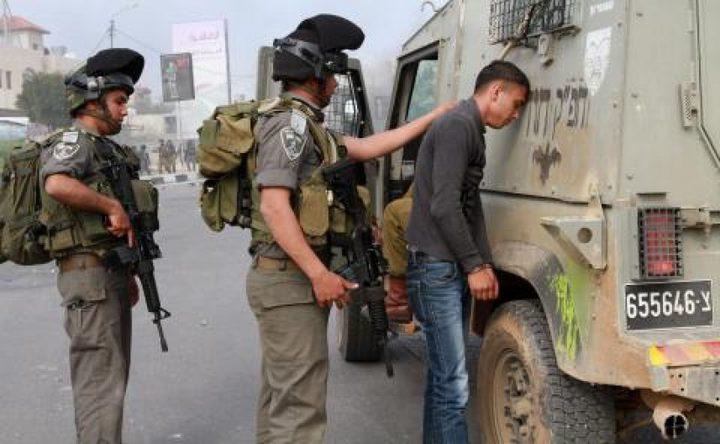 اعتقالات واقتحامات في الضفة