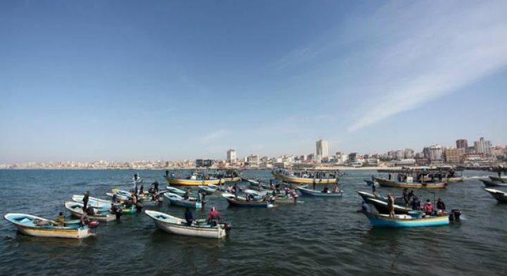 الاحتلال يقلّص مساحة الصيد في بحر غزة