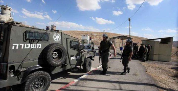 الاحتلال يعتقل مواطنة بزعم حيازتها سكينا