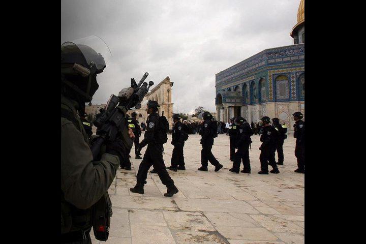 إغلاق المسجد الأقصى واقتحامه بقيادة قائد شرطة الاحتلال