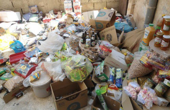 """""""الطعام فيه سم قاتل"""".. """"اغذية فاسدة"""" تهدد حياة الفلسطينيين"""